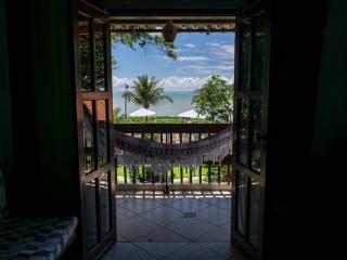vista-para-o-mar-do-apartamento-pousada-e-em-cumuruxatiba2.png