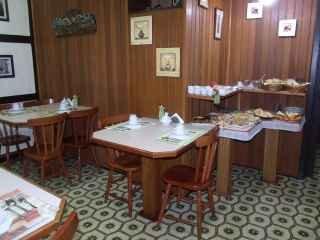 1583963002-pousada-em-gramado-serra-gaucha-cafe-da-manha2.jpg