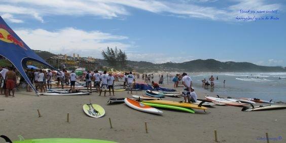 Alta Temporada de Verão na Praia do Rosa SC 2021-2022