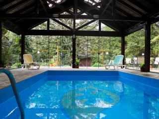 1605466663-piscina-hotel-pousada-le-chateau-gramado.jpg