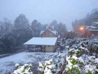 1593544999-pousada-em-gramado-serra-gaucha-neve.jpg
