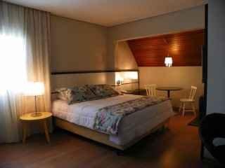 1594491665-pousada-em-gramado-centro-suite-charmosa.JPG