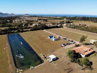 1622756148-paraquedismo-na-praia-do-rosa-sc.jpg