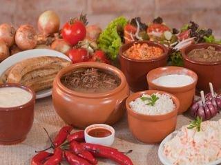 1631135120-pousada-em-morretes-centro-comida-tipica-barreado.jpg