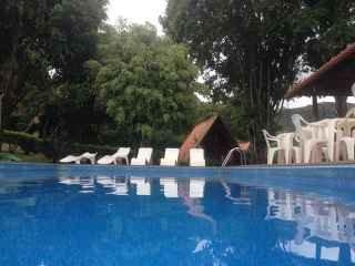 1554505896-piscina-chale.jpg